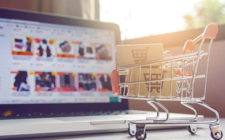 Devo investir em e-commerce e aplicativos agora?